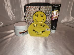 Victoria's Secret Pink bikini scrub self tanner face mask & Cosmetic Bag gift Set for Sale in Sterling Heights, MI