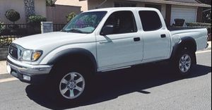 2003 Toyota Tacoma White 2.7 L for Sale in Sacramento, CA
