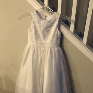 Beautiful White Flower Girl Dress! for Sale in Mesa, AZ