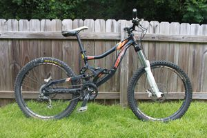 Rocky Mountain Flatline One downhill mountain bike for Sale in Franconia, VA