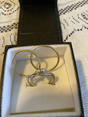 White gold diamond 💍 ring size 7 to 71/2 for Sale in Dallas, TX