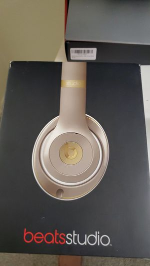 Beats Studio wired headphone for Sale in Pasadena, CA