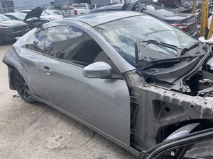 Infinity G35 para partes for Sale in Miami Gardens, FL