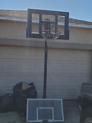 Basketball hoop for Sale in Land O Lakes, FL