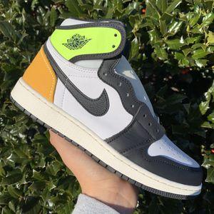 Jordan 1 High Volt (Size 6.5Y) for Sale in Arlington, VA