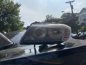 OEM BMW 328i XDrive Headlights (BMW Parts) for Sale in Irvington, NJ