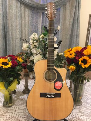 Fender CD60SCE 12 string electric acoustic guitar (Requintó ) for Sale in Bell Gardens, CA