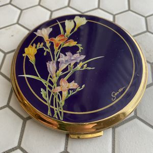 Stratton Vintage Compact Mirror for Sale in Nashville, TN