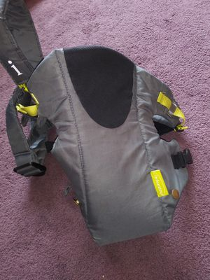 Baby carrier for Sale in Madison Heights, MI