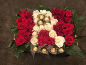 Rose arrangement for Sale in Gurnee, IL