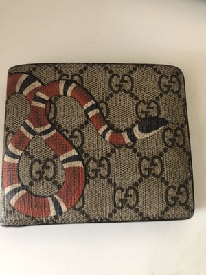 GUCCI SNAKE WALLET for Sale in Vancouver, WA