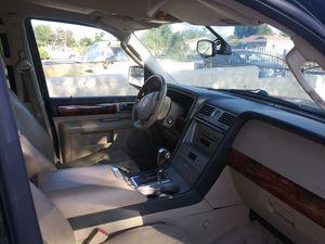 2005 lincohn navigator for Sale in Fontana, CA