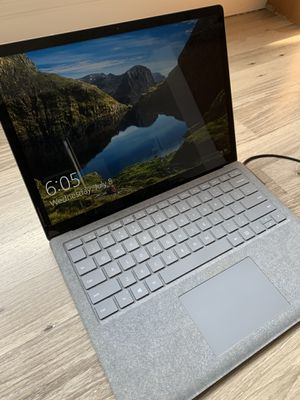 Microsoft Surface Laptop 2 13 in i5 8gb 128gb for Sale in Union Park, FL