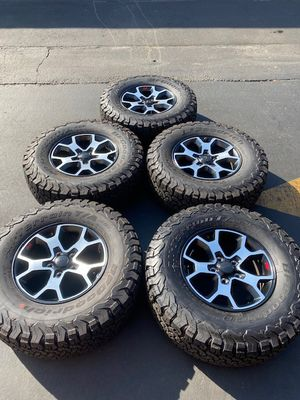 "(5) 17"" Jeep Rubicon Wheels 285/70R17 Bfgoodrich A/T KO2 - $1350 for Sale in Garden Grove, CA"