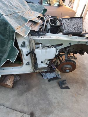 Parts for a 2008 Mercedes Benz E350 for Sale in Azusa, CA