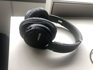 Sony wireless(Bluetooth) Noise Cancelling headphones for sale for Sale in Bellevue, WA