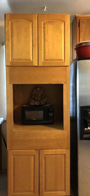 Kitchen cabinet for Sale in Squaw Valley, CA