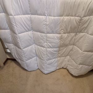Free Barely Used CA King Mattress Pad for Sale in Fremont, CA