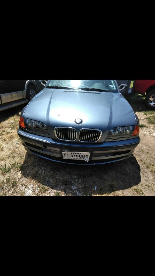 needs special mechanical water leakage from engine and rear bumper. BMW 323i 1999 124 .000 millas
