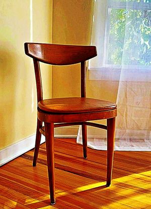 Wooden Shelby Williams Industries MCM chairs (4) with leather seat cushion. for Sale in Highland Charter Township, MI
