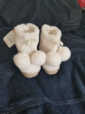 NWT Gymboree Toddler Girl Pom Pom Slipper Boots Shoes 5-6 5 6 for Sale in San Ramon, CA