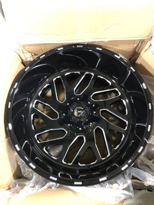 Fuel Triton ONLY ONE RIM 22x12 for Sale in Bakersfield, CA