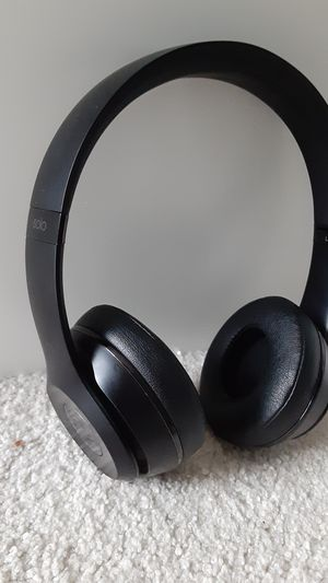 Beats Solo 3 Bluetooth wireless matte black headphones for Sale in Columbus, OH
