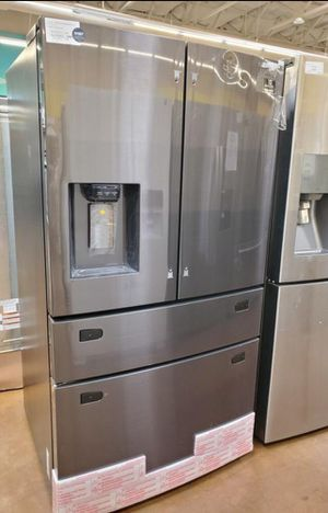Samsung refrigerator for Sale in Brandon, FL