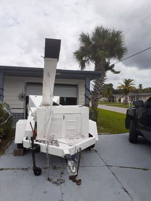 1996 12 inch WOODCHUCK CHIPPER for Sale in NEW PRT RCHY, FL