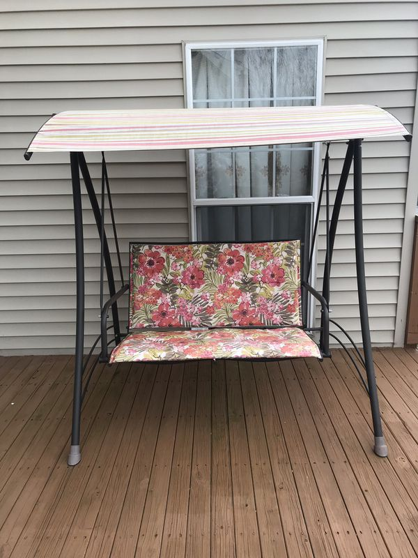 Outdoor patio furniture swing set - 2 seater