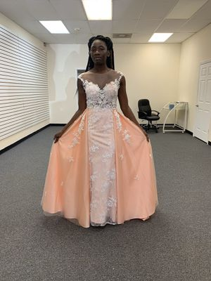 Size 8 Blush Tone with Detachable Mermaid Wedding Dress for Sale in Norfolk, VA