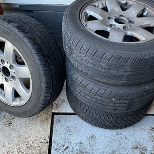 Bmw Tires 5 Lugs 50$Or Obo for Sale in Tacoma, WA