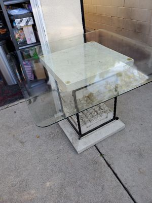 Glass dinning table!! for Sale in Los Angeles, CA