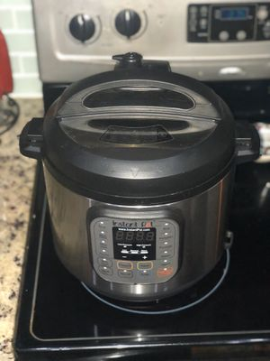 Instant pot pressure cooker for Sale in Sunrise, FL