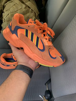 Adidas yung 1 size 8 men's for Sale in Haines City, FL