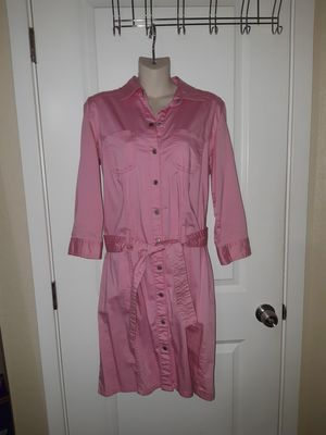 Ladies pink button-up dress for Sale in Kent, WA