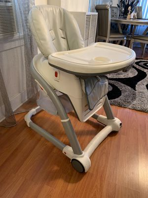 Baby chairs for Sale in Los Angeles, CA