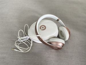 Beats Solo 2 Wireless Rose Gold Headphones w Case & Aux cord - OBO for Sale in Laguna Niguel, CA