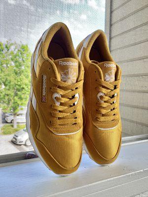 Reebok: Classic Nylon Sneaker, Trek Gold/White Men's 6.5US , Women's 8US for Sale in Alta Loma, CA