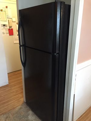 Kenmore regular size Refrigerator for Sale in New York, NY
