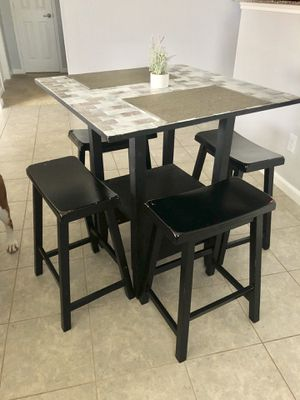 Small dining table for Sale in League City, TX