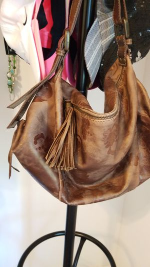 BROWN LEATHER ITALIAN SLOUCH BAG for Sale in Port St. Lucie, FL