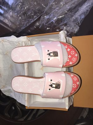 Louis Vuitton slide sandal for Sale in Tampa, FL