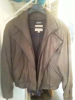 Mens Leather Jacket Size Large for Sale in Lake Stevens,  WA