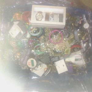 Jewelry Bin for Sale in Winter Garden, FL