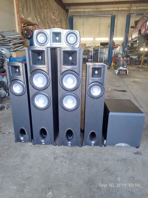 Klipsch surround sound system for Sale in Columbus, OH