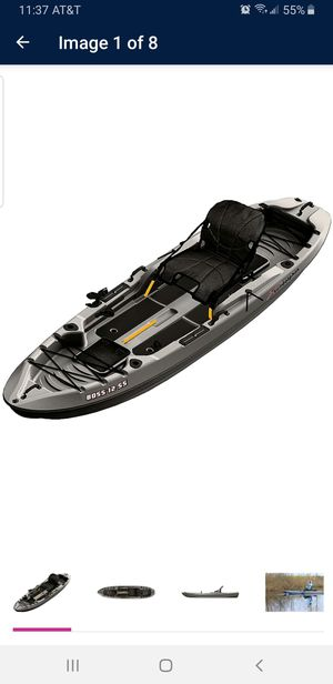Boss 12 ss kayak with paddle used 3 times for Sale in Fresno, CA