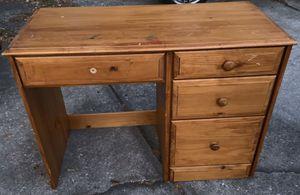 Kids desk $15 for Sale in Dover, FL