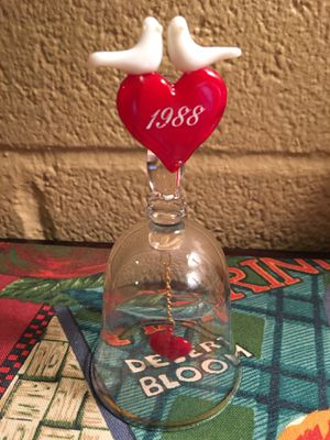 AVON lovebirds bell 1988 glass collectible Anniversary bell for Sale in Phoenix, AZ
