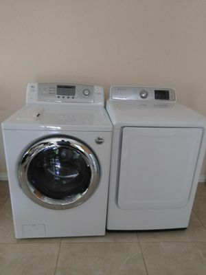 LG FRONT LOAD WASHER AND SAMSUNG ELECTRIC DRYER ////////////////////////////////////// LAVADORA DE CARGA FRONTAL LG Y SECADORA ELÉCTRICA SAMSUNG for Sale in Fort Worth, TX